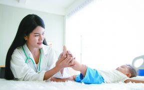 Holistic Pediatricians Go Beyond Meds